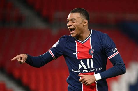 PSG face Mbappe exit with LFC and Madrid able to meet cost