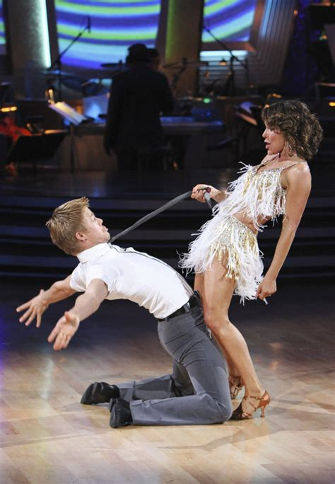 Jennifer Grey overcomes injuries to win 'Dancing with the