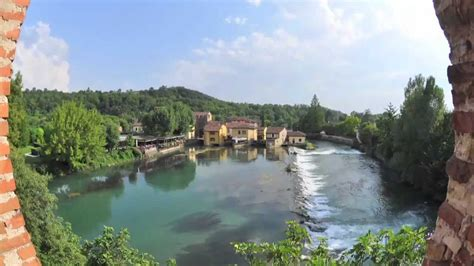 Italy Travel Guide - Visiting the Ancient Town of