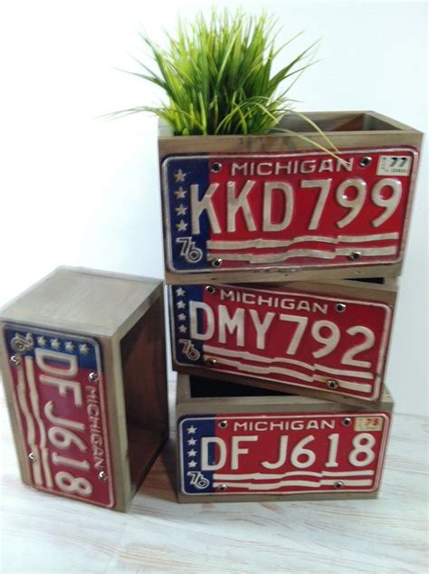 15 Cool Things That You Can Make With Old License Plates