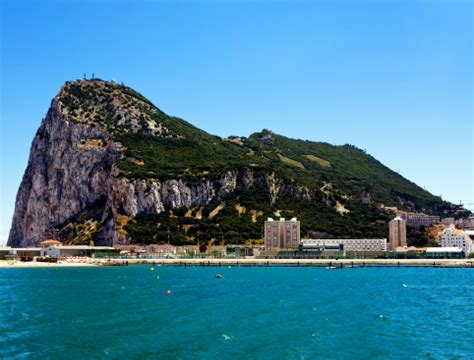 Full Day Gibraltar Trip from Algarve - AttractionTix