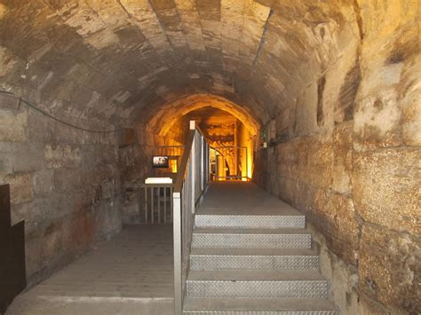View from Kew: OAT Israel: Jerusalem Wailing Wall and Tunnels