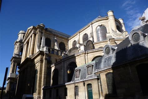 10 Catholic Churches in France Vandalized In Just One Week